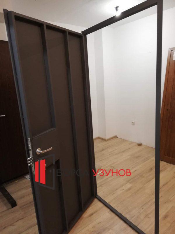 Метална врата за таван в грунд сив