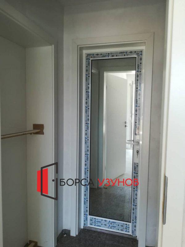 Алуминиева врата с обръщане с каса от Интериорна врата