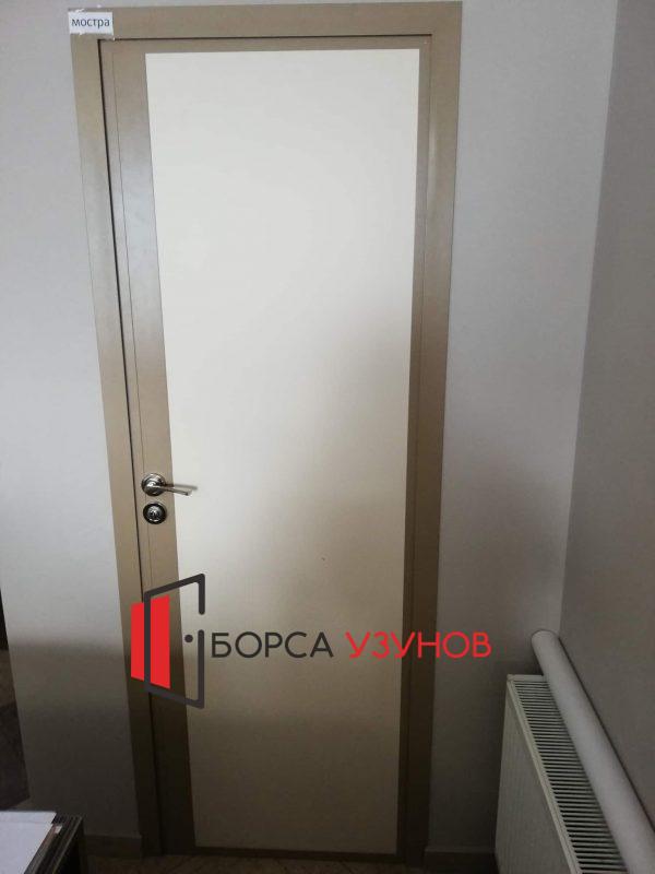 Алуминиева врата с матирано стъкло и обличаща каса в София
