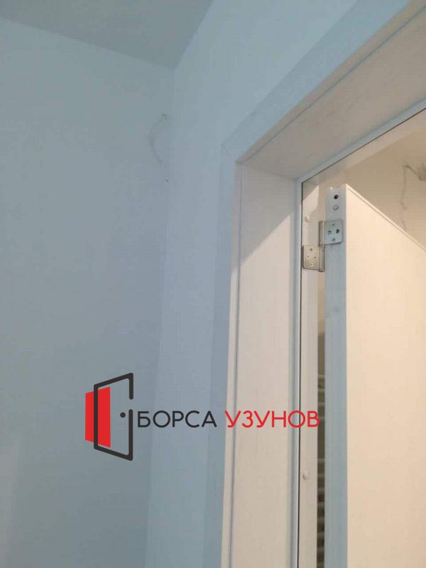 здрава алуминиева врата с обличаща каса