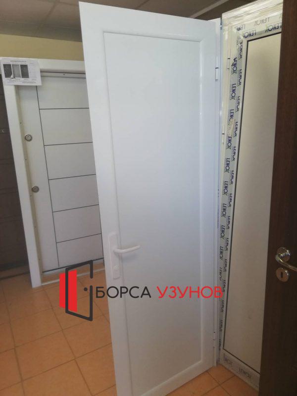 Алуминиева влагоустойчива врата за баня